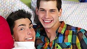 Spicy lollipop twinks bareback action with two tender twinks